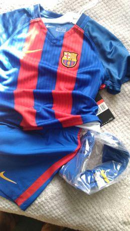 3e2f4a942 Nowy komplet piłkarski*koszulka*spodenki*getry*NIKE FC Barcelona Świercze -  image