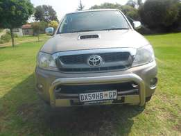 Stock 3219, 2011 Toyota Hilux 3.0 D 4D Raider Sunroof Good Condtion