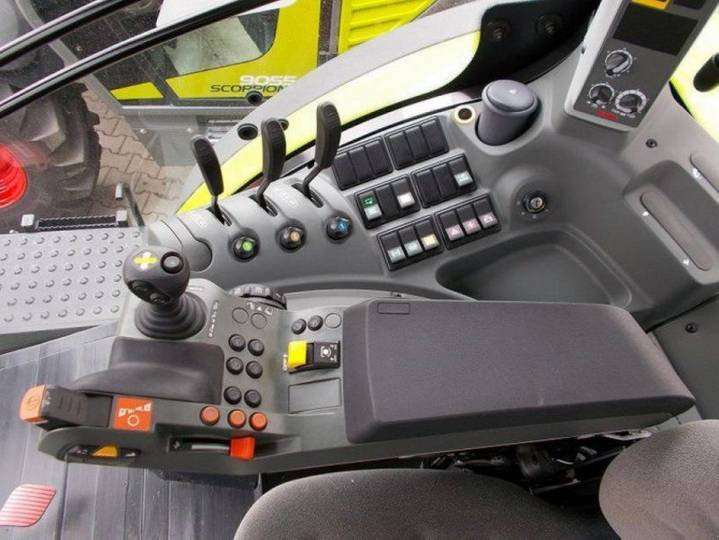 Claas Traktor Axion 810 Cis - 2014 - image 5