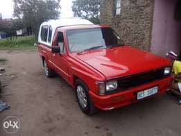 Selling Toyota hilux r18000