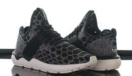 Adidas Tubular Snake Primeknit - Men's Black/Silver Pattern: 2 left