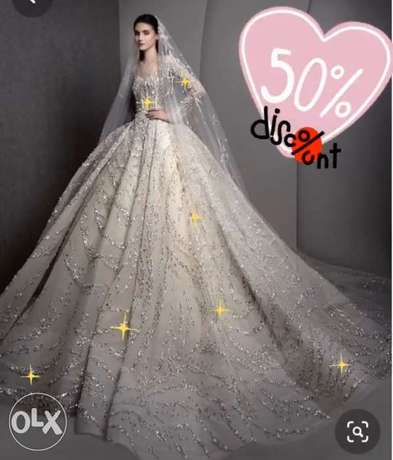 royal , luxurious Wedding Dress on sale up to 50%