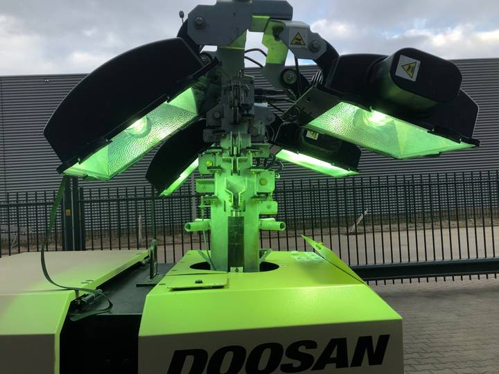 Doosan LSV 9 light tower - 2015 - image 23
