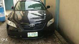 Neatly used Toyota Camry 2007.