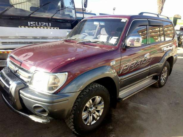 Quick sale! Clean Toyota Prado KAU now available at 1.25m asking! Mombasa Island - image 3