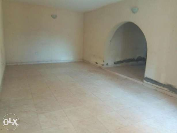 Spacious 3bedroom flat 250k with 4 toilets at igando Alimosho - image 4