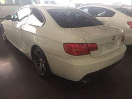2011 BMW 320i Coupe Sunroof M/T
