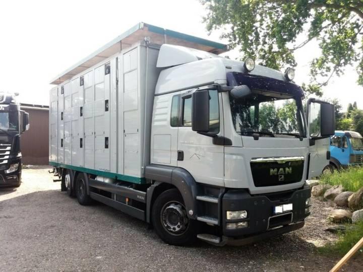 MAN TGX 26.440*Viehtransporter*3 Stock*Menke*Hubdach - 2009