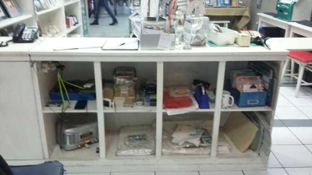 Complete shop fixture & fittings in good condition Edenvale - image 4