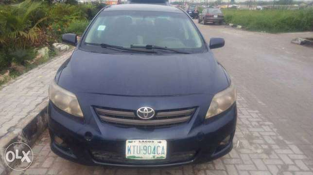 Manual Gear Reg 2009 Toyota Corolla LE In A Buy And Drive Condition. Lekki - image 1