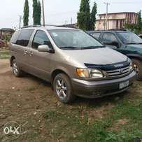 Registered Toyota Sienna - 2003