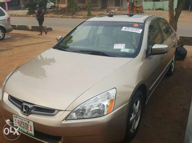 Tincan cleared 2005 Honda Accord EX-L gold colour Lagos Mainland - image 3