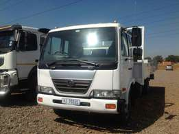 Nissan UD70 dropside on special