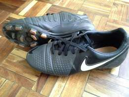 Nike soccer boots CTR360