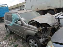 Nissan extrail KBL with damaged front part