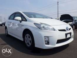 Fresh import Toyota Prius just arrived now its kcp number full option