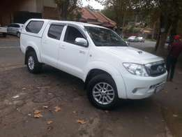 2008 Toyota Hilux 3.0 d4d 4x4 with a canopy