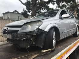 Now Stripping: 2005 Opel Astra 2.0 lt GSI CDR