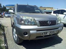 Selling Nissan Xtrail 2005 model 4wd optional xtreamly clean