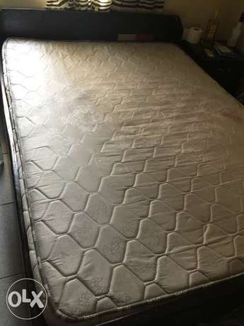 Neatly used Orthopaedic Mattress and bed frame Abuja - image 1