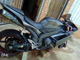 Yamaha R1 YZF 2007 Bike