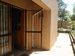 Randburg Ferndale - Immaculate 1 bedroom cottage available R4650