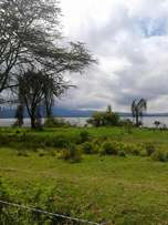 5 acres with 3 bdrm hse for sale in Naivasha touching the lake.