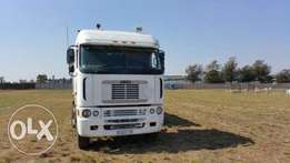 6x4 Truck/horse with Hydraulics available for rent R40000.00