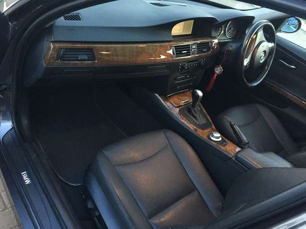 BMW 320i, Yr 2006, KBV, Auto, Leather Interior, Exceptionally Clean Nairobi West - image 6