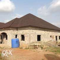 Carcass 5bedroom bungalow at Ipent 7 estate Gwarinpa for sale
