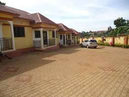 Two bedroom semi detached for rent in mpererwe at 450,000=