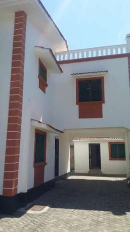 Spacious 3 bedroom to rent Nyali Bamburi - image 2