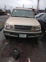frarly used Lexus LX470 with full option
