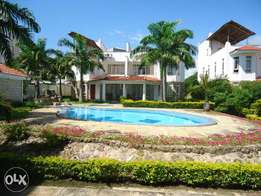 ID 7658 TASTEFULLY 3 bedroom sea front furnished apartments with pool.