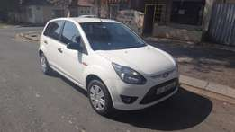 USED CARS IN JOHANNESBURG! Immaculate 2012 Ford figo 1.4Trend for sale