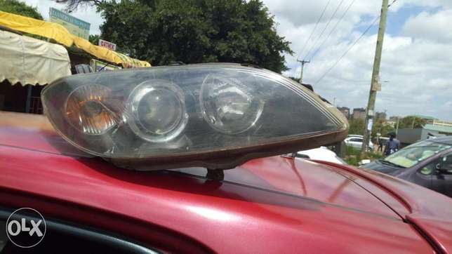 Mercedes-Benz head lamp Ngara West - image 4