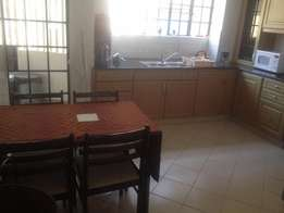 Elegantly furnished apartment 3 bedrooms to let in Laving-ton area
