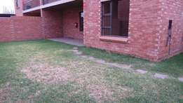 Stunning 2 bedroom Apartment to rent in Oakleaves (Bains Game Lodge pr