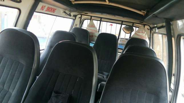 Very clean Toyota Hiace used in tours for sale. Manual transmission Parklands - image 3