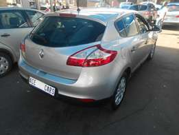 2011 Renault ELF Selling for R110000