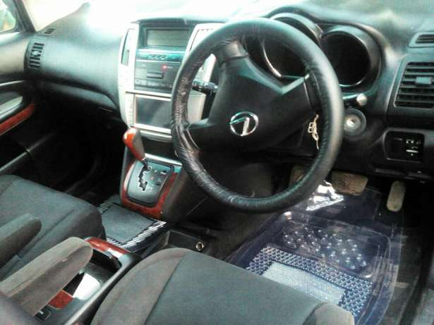 Well maintained Toyota Harrier clean just buy and drive Nairobi CBD - image 4