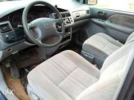 Clean Toyota Sienna 2001 model for sale