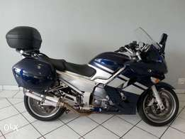 Yamaha FJR 1200 with panniers :.