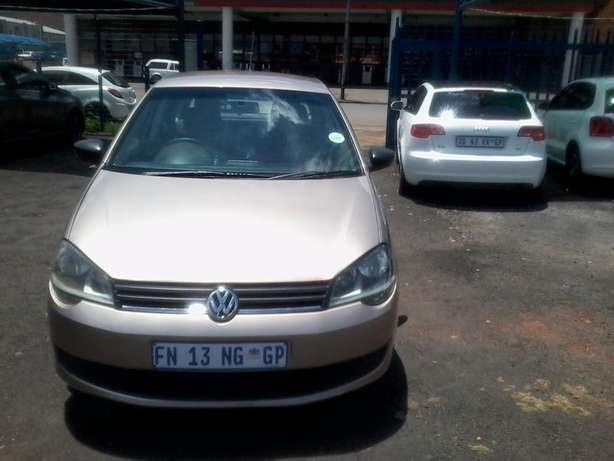 VW polo vivo 1.4 Model 2015,5 Doors factory A/C And C/D Player Johannesburg CBD - image 1