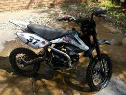 Orion 125 cc pit bike.