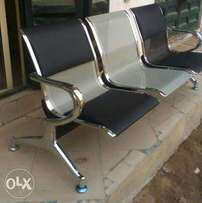 Airport chair leader an pan