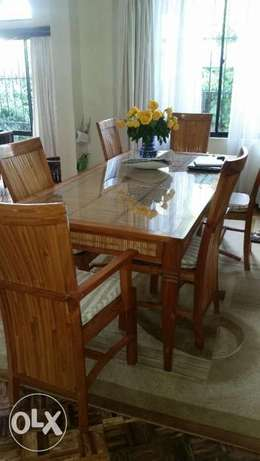 Beautiful Dining Table with 6 chairs Lavington - image 1