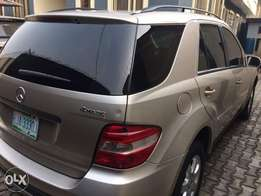 Clean Mercedes-Benze ML350 year 2006