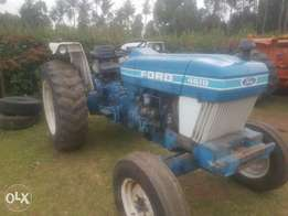 Tractor ford 4610