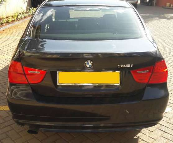 BMW 318i 2010 model Kileleshwa - image 5